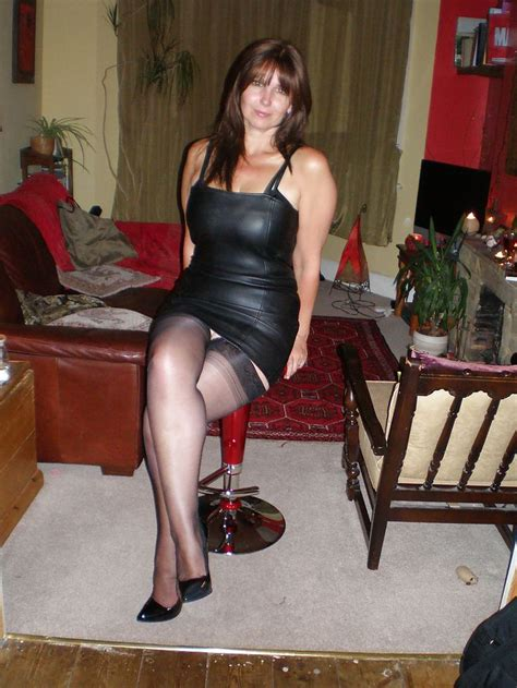 amateur stockings and hot wives stockings and heels