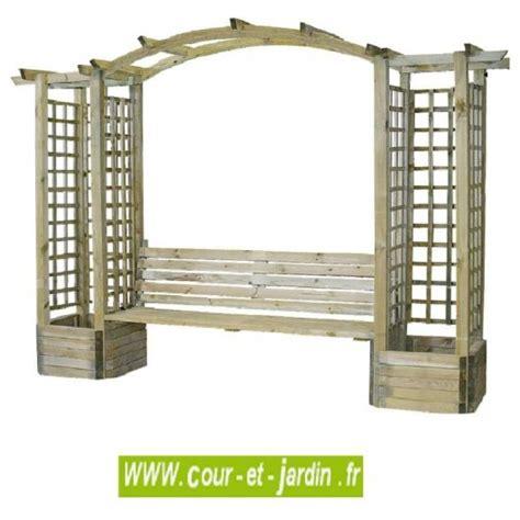 pergola avec banc de jardin pergola avec banc de jardin en bois avec treillis 2 bacs