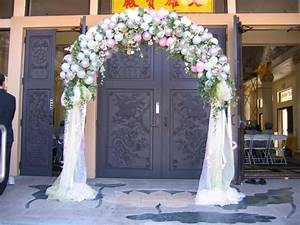 Balloons Arch - FEATURED WEDDING - Absolutley Flowers