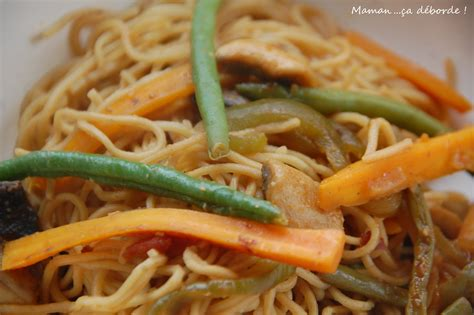 comment cuisiner les nouilles chinoises nouilles chinoises sautées aux légumes maman ça déborde