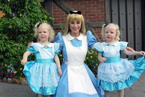 why epcot and preschoolers are a great combination 680   TMOM Frozen Character Meet 750x500