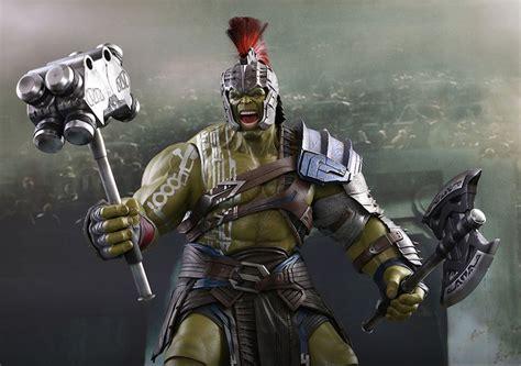 Thor Ragnarok: Gladiator Hulk Sixth Scale Figure by Hot