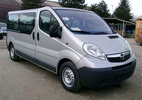 Opel Vivaro by Opel Vivaro Vikipedi
