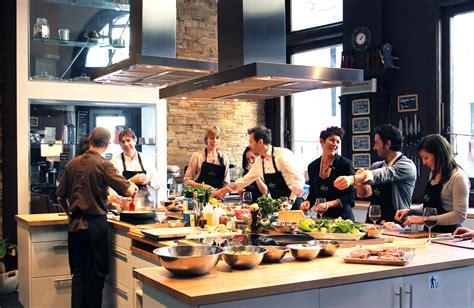 cour de cuisine ateliers saveurs école de cuisine cocktails et vins