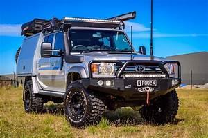 Uneek Front Bumper Bull Bar Toyota Landcruiser 76  78  79