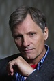How Viggo Mortensen learned to be captain of 6 kids ...