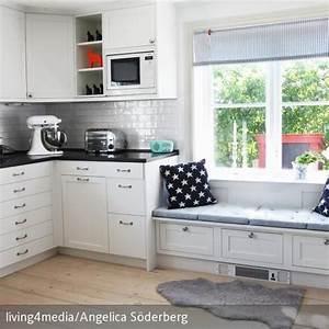 Küche Mit Sitzbank : sitzbank in der k che dekokissen sitzbank und wenn man ~ Michelbontemps.com Haus und Dekorationen