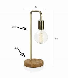 Lampe Design Bois : lampe poser courb e design en bois et laiton ~ Teatrodelosmanantiales.com Idées de Décoration
