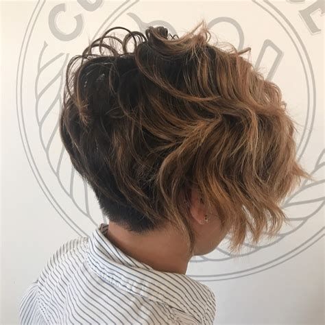 hottest short wavy hairstyles  trending