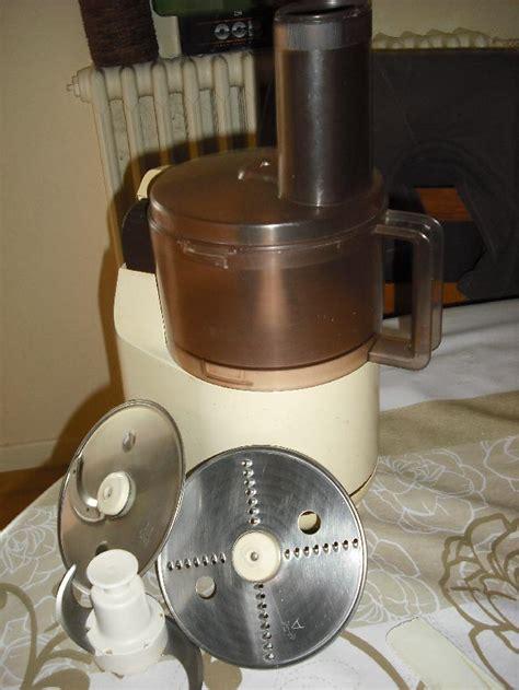 balance de cuisine photo donne vieux culinaire moulinex avec ses acc