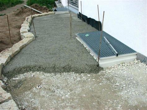 terrassenplatten in trenagebeton verlegen terrassenplatten verlegen spannende feinsteinzeug
