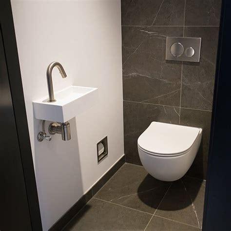 achterwand wc betegelen 25 beste idee 235 n over kleine toiletruimte op pinterest