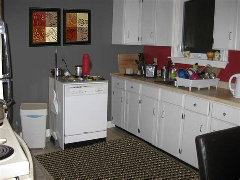red kitchen walls with white cabinets white kitchen cabinets red walls quicua com