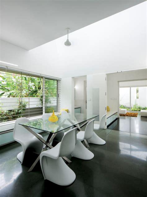 A Modern Home Exterior Contains A Clean Modern Interior by A Modern Home Exterior Contains A Clean Modern Interior