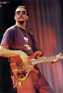 10 Top Bass Playing Tips with Les Claypool - Guitar & Bass ...