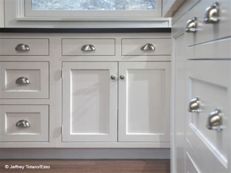 cabinets knobs or pulls images of white kitchen cabinets with pulls and knobs