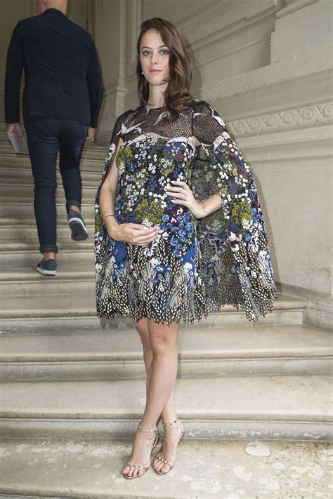 Pregnant KAYA SCODELARIO at Valentino Menswear Spring ...