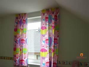 Kinderzimmer Vorhänge Mädchen : fliegende ballons im kinderzimmer heimtex ideen ~ Sanjose-hotels-ca.com Haus und Dekorationen