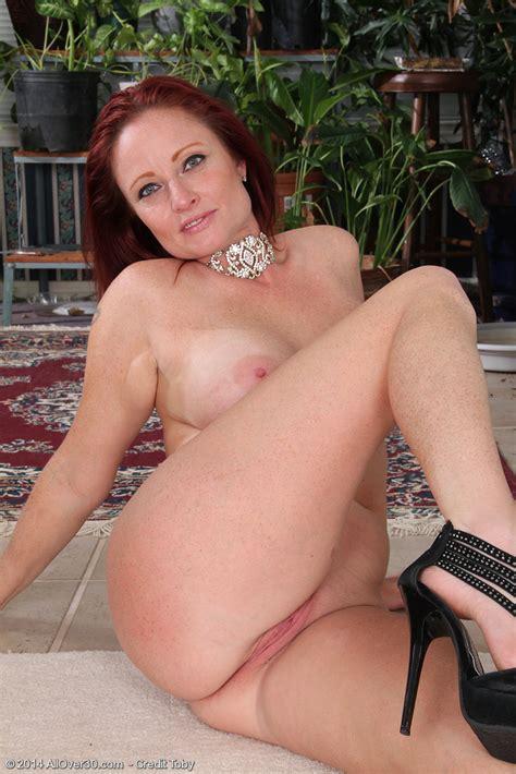 Shelly Jones Strip And Spread Her Legs Milf Fox
