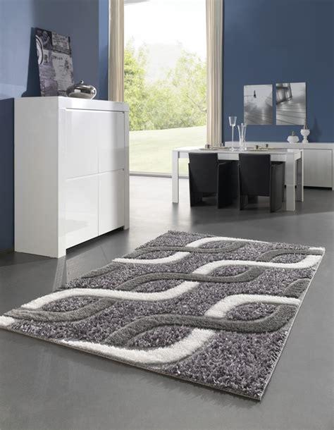 tapis de salon gris  blanc idees de decoration