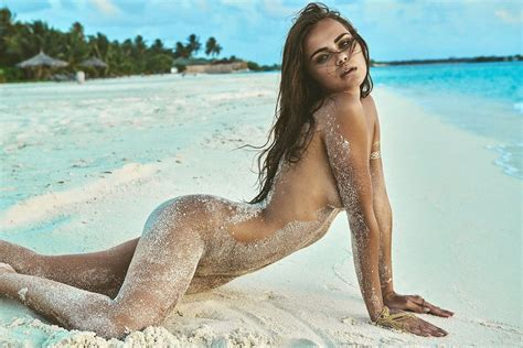 Des Photos De Xenia Deli Nue Et Topless Whassup