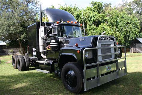 mack trucks service manuals   truck