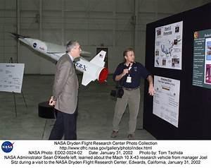 People ED02-0024-02: NASA Administrator Sean O'Keefe, left ...