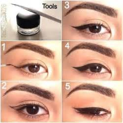 how to cat eye eyeliner winged eyeliner tutorial step by step style arena