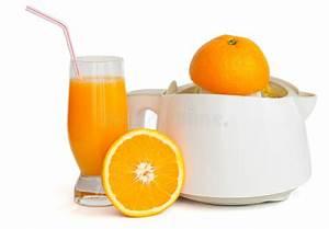 Jus Avec Extracteur : extracteur de jus avec une glace de jus d 39 orange image stock image du fruit fruits 7359503 ~ Melissatoandfro.com Idées de Décoration