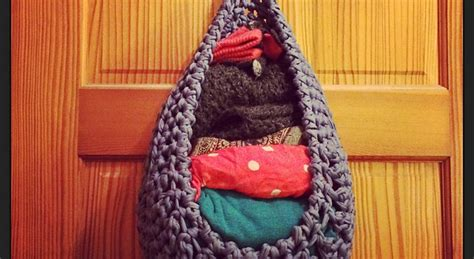 Crochet Cat Hammock by Free Pattern This Large Hanging Basket Can Be Used For