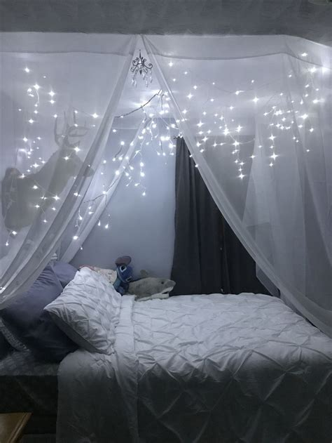 twinkling lights   bed dream rooms bedroom