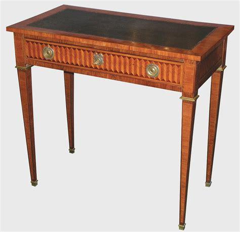 bureau louis 16 petit bureau de style louis xvi epoque xxe siècle