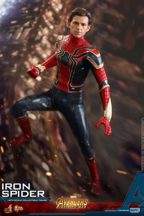 hot toys iron spider figure   order avengers