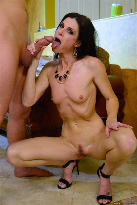 Insatiable Milf Got Her Pussy Licked Photos India Summer