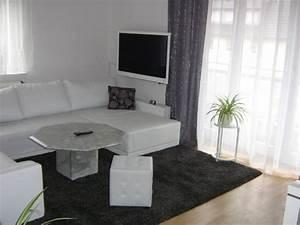 Gardinen Weiß Grau : wohnzimmer mein domizil mit neuen farben von difire 30275 zimmerschau ~ Frokenaadalensverden.com Haus und Dekorationen