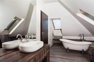 Salle De Bain Loft : comment am nager une salle de bain dans le grenier ~ Dailycaller-alerts.com Idées de Décoration