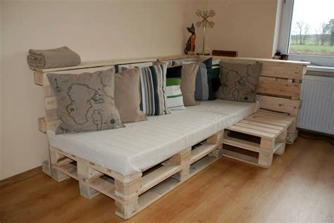 pallet sectional sofa pallet build an easy daybed sofa diy and crafts