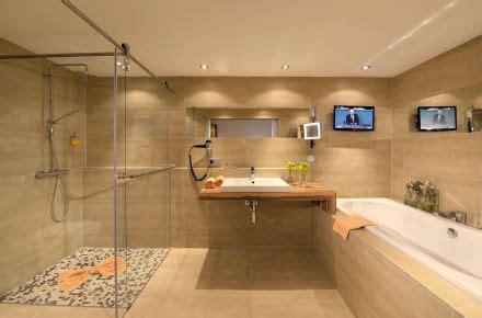 Einfamilienhaus Klare Groesse Nach Mass Und Wunsch Gebaut by Gr 246 223 E Badezimmer Neubau Badezimmer