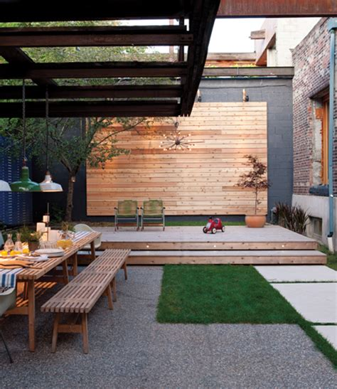 26 Inspiring Small Backyards