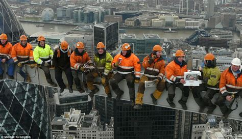 lunch atop a skyscraper lunchtime on a skyscraper in 2011 builders recreate charles c ebbets 1932 photo daily mail