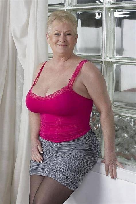pin de terry gross em stockings em 2019 mulheres maduras