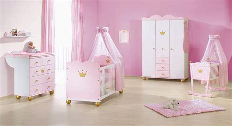 babyzimmer rosa weiss rosafarbenes kinderbett aus fichte prinzessin karolin