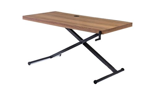 table skrivbord justeras  hoejd med ett manuellt vevreglage