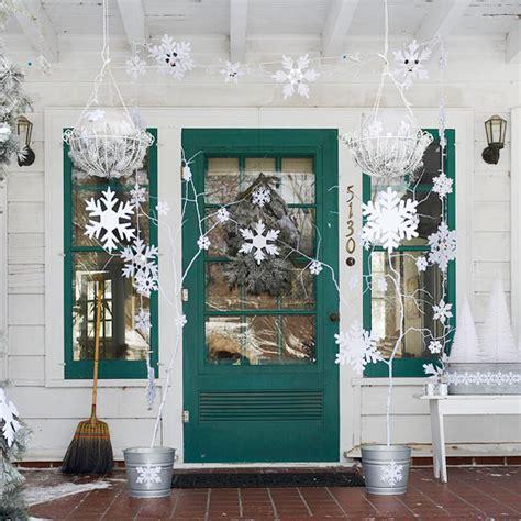 porch decorating ideas for christmas 10 christmas decorating ideas for your front porch freshome com