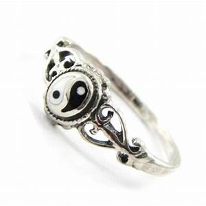 yin yang ring yin yang things pinterest With yin yang wedding rings