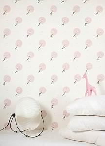 papier peint design et poetique pour une chambre d39enfant With affiche chambre bébé avec etole fleurie