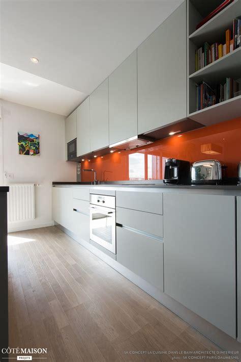 cuisine en longueur une cuisine en longueur avec cr 233 dence en orange laqu 233 e