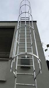 Leiter Mit Rückenschutz : fassadenleiter ortsfeste leiter f r fassaden und sch chte ~ Frokenaadalensverden.com Haus und Dekorationen