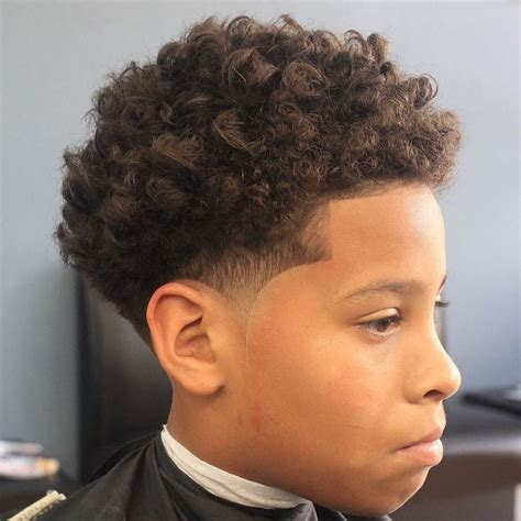Cool Curly Hairstyles by Best 25 Boys Curly Haircuts Ideas On Boys