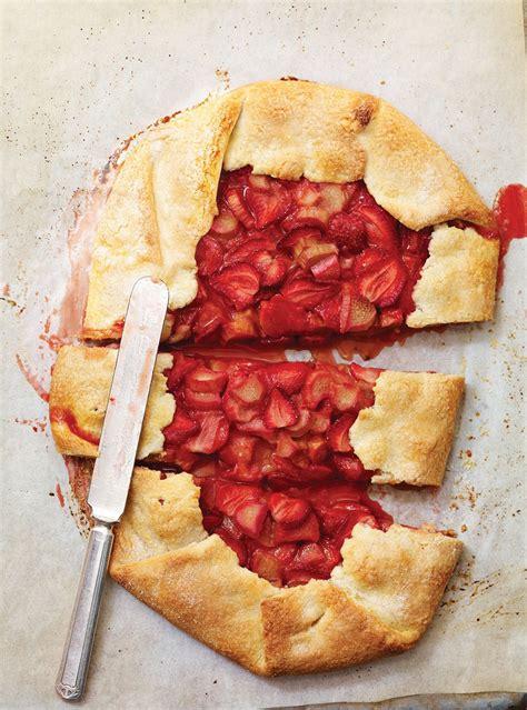 tarte rustique fraises  rhubarbe recette recettes de